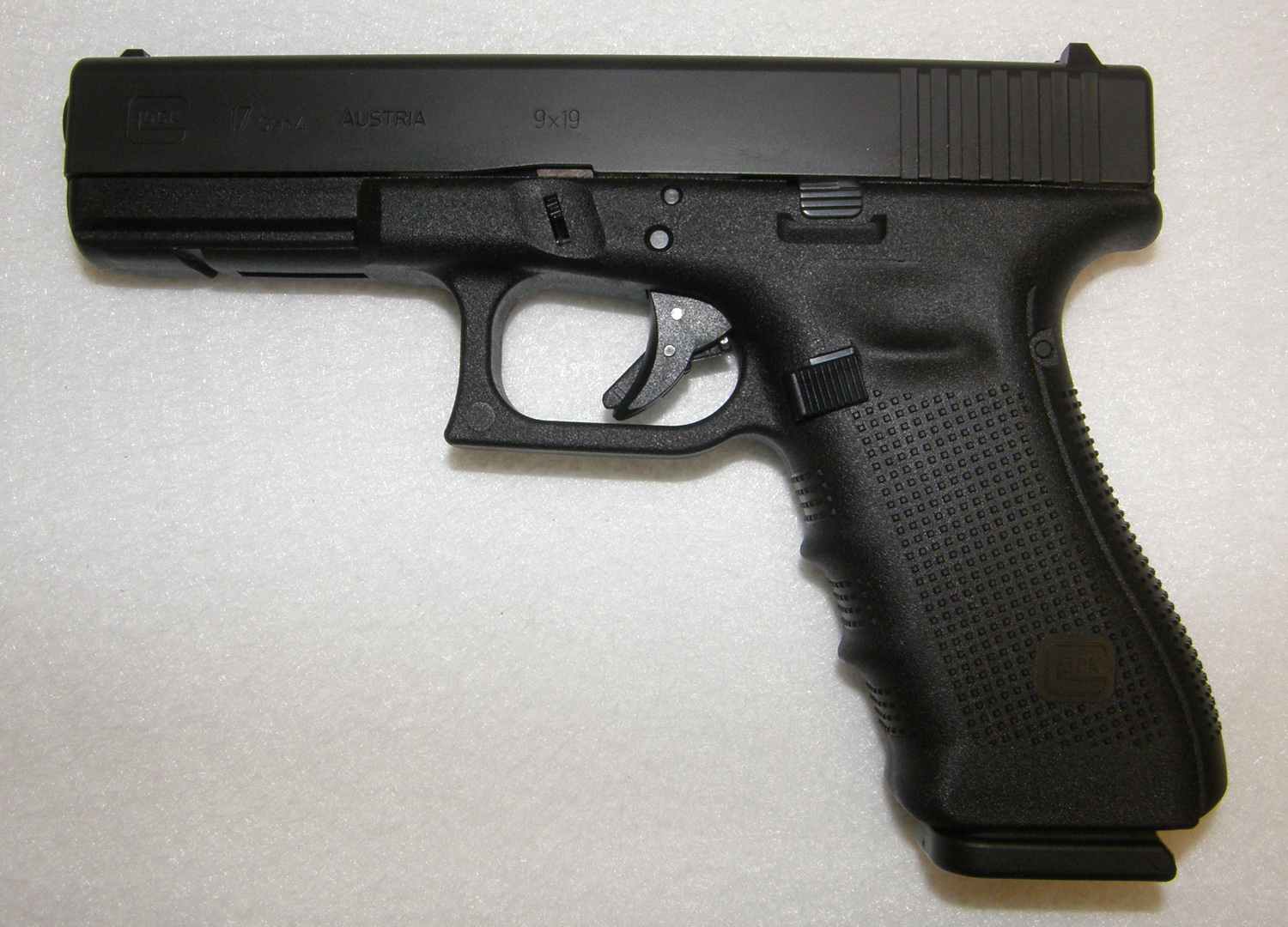 Glock 17 Gen 4 9mm Pistol (New) | Rare Collectible Guns ...