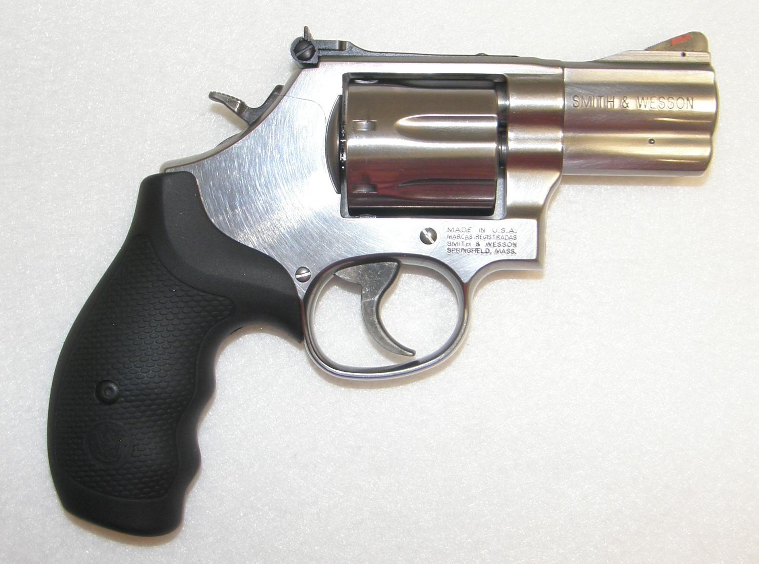 Smith and Wesson 686 Plus, .357 Magnum 2.5 Inch Barrel ...