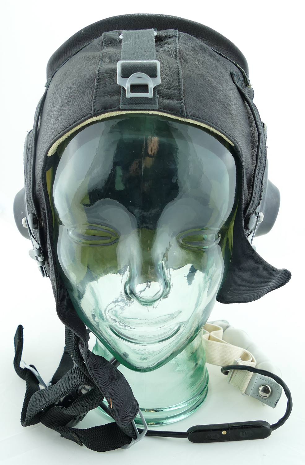 russian_leather_flight_helmet_with_throat_microphone