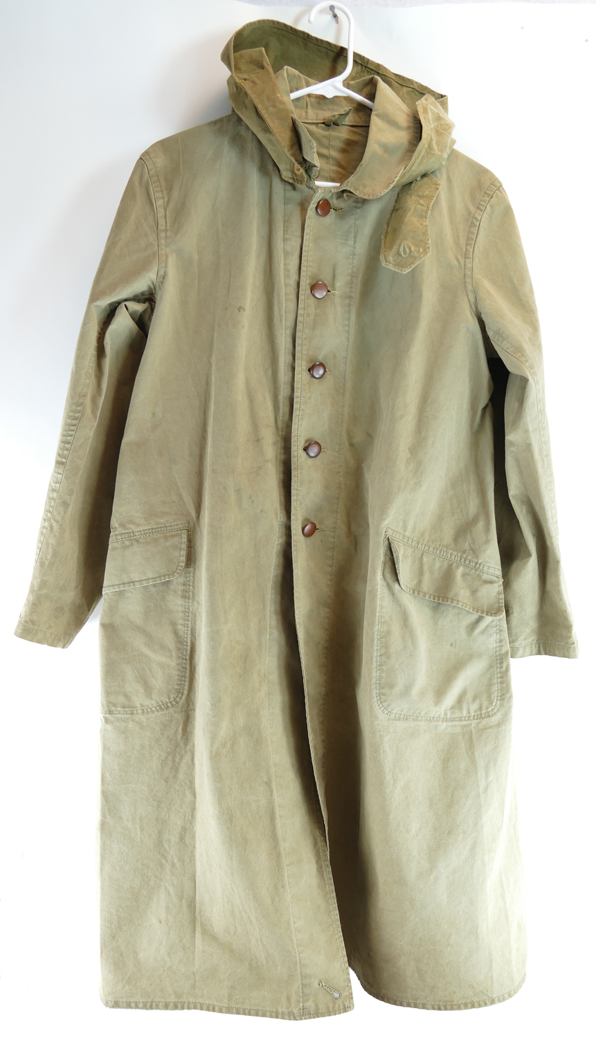 japanese_WW2_enlisted_raincoat_and_hood